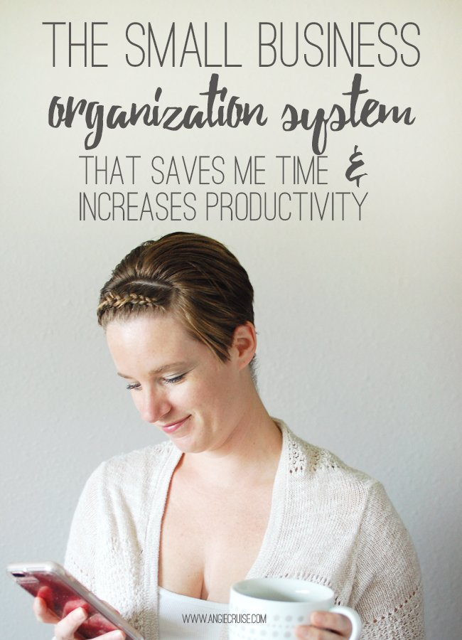 Running an online business can be overwhelming.Need to find a way to save time and increase productivity? I'm sharing my small business organization system below! Read on for my best tips, and grab the very printables I use in my own business. #smallbusinessorganization #freeprintables