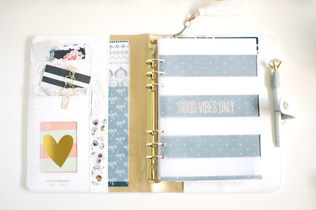 Getting a new planner ready can be a lot of fun as you get everything put together and ready for a new year.  Here are the details on my 2018 planner setup!