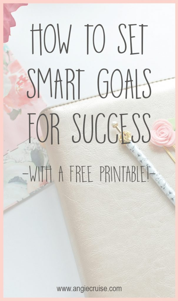 Setting goals is great. When you set SMART goals, you can be much more intentional about reaching them. Plus, get a free printable goal setting sheet! #goalsetting #smartgoals