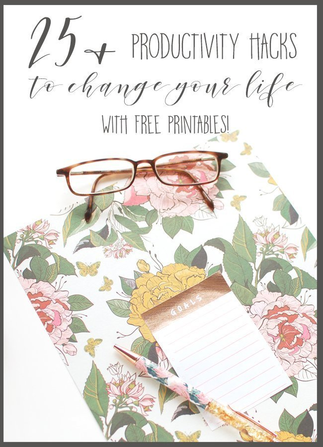 Looking for some awesome productivity hacks that will change your life? I've got you covered! Here, you'll find over 25 tips to boost your productivity and change your life! #productivityhacks #productivitytips #wahm