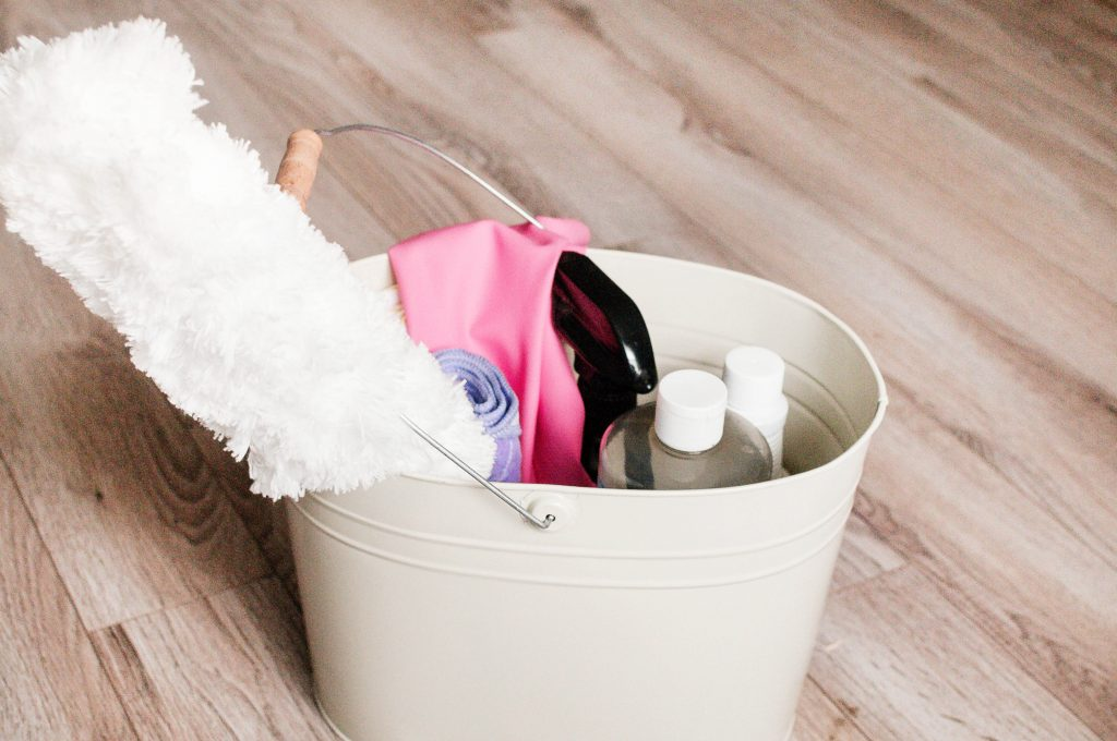 Looking for some all natural spring cleaning supplies this year? I'm rounding up all of my favorites so you can clean your whole house without a single worry!