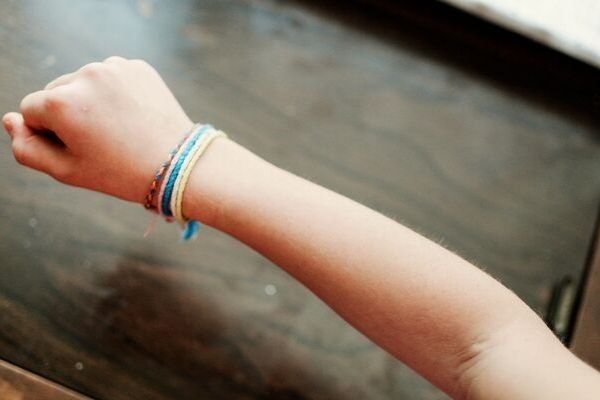 easy friendship bracelets to make with your kids